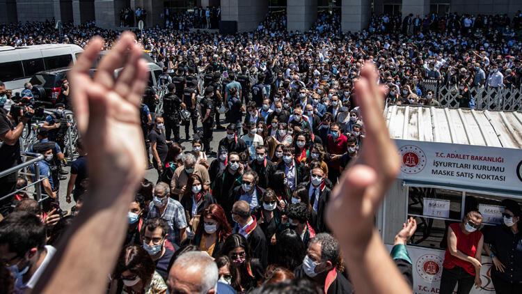 İstanbul Adalet Sarayı önünde 'Savunma Mitingi'