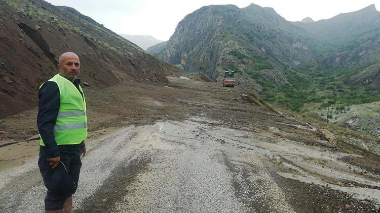 Erzincan'da sağanak yağış sel ve heyelana neden oldu