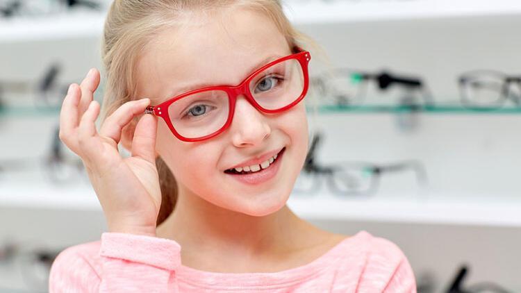 Çocuklarda şaşılığa dikkat! 7 yaşına kadar tedavi edilmeli