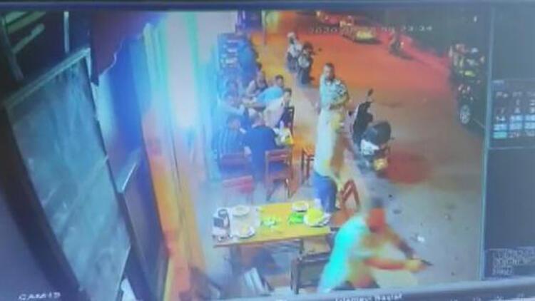Lokantadaki 4 arkadaşa silahlı saldırı, güvenlik kamerasında