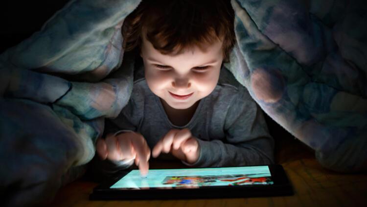 İnternette çocuk istismarına dikkat! Ebeveynlere çok önemli uyarılar…