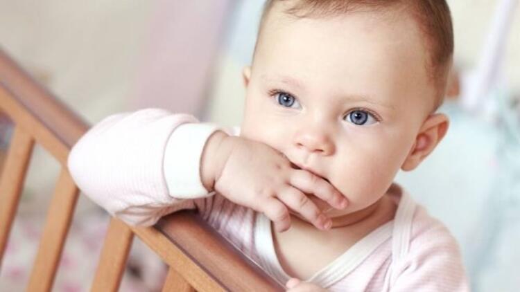Bebeklerde parmak emme ve emzik alışkanlığı