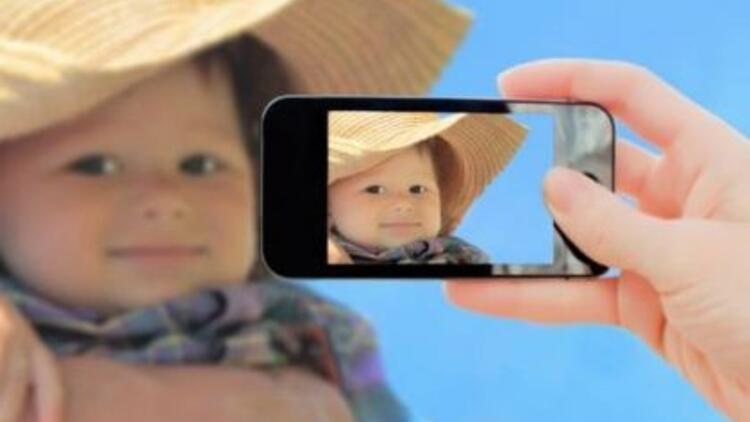 Çocuğunuzun gözleri fotoğraflarda beyaz mı çıkıyor?