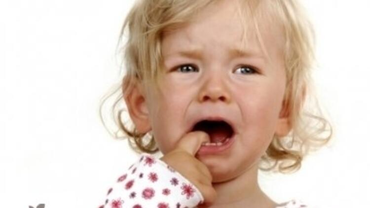 Süt Dişleri Zamanından Önce Düşer mi?