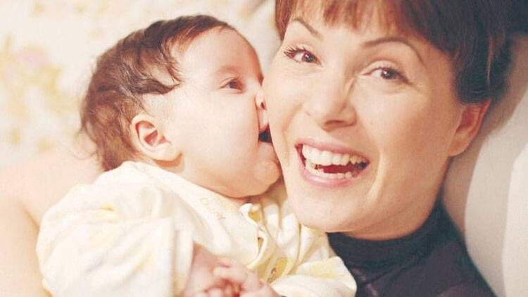 Sevinç Erbulak'la Annelik Üzerine…
