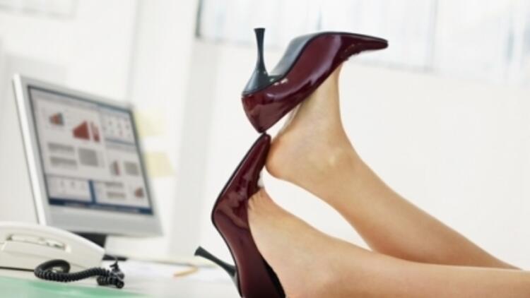 Ayakkabı Tırnak Yapısını Bozuyor