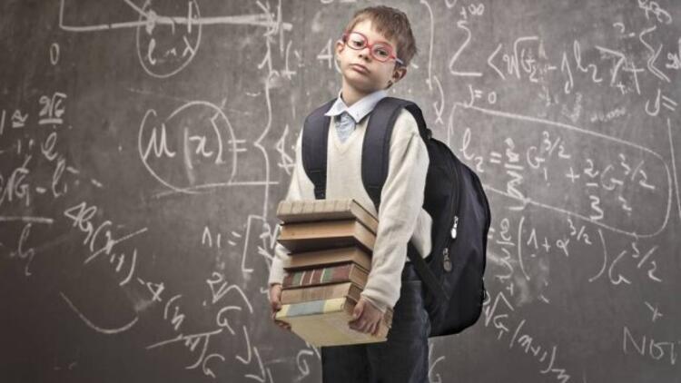 Derslerle birlikte çantalar da ağırlaştı...