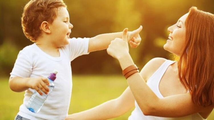 Çocuklar sevgisini nasıl gösterir?