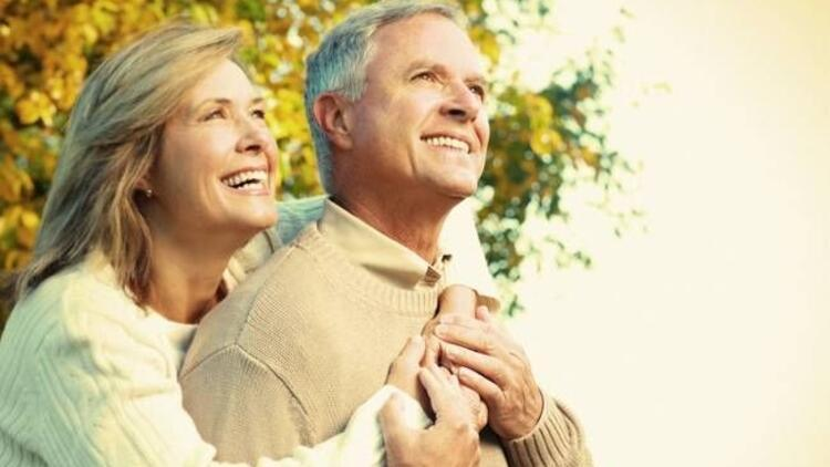 Yaşlı insanlar daha mutlular