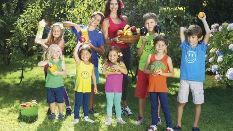 """Clara Amram'dan """"Sağlıklı Yemekler Mutlu Çocuklar"""""""
