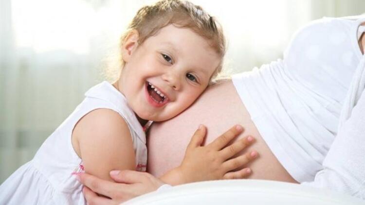 Anne karnındaki bebek hangi sesleri duyar?