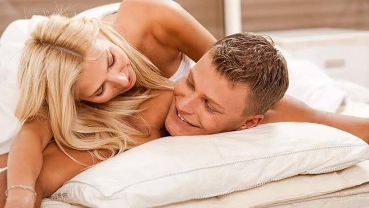 Uzun bir ön sevişme ve oral seks talep edin!