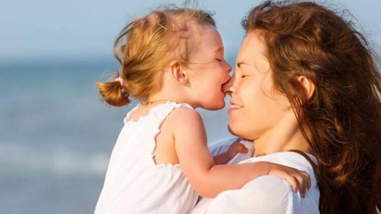 Çocuğunuzu severek sevmeyi öğretin