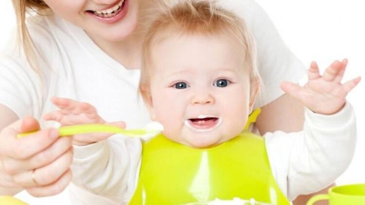 Bebeklerin ek besine geçiş dönemleri