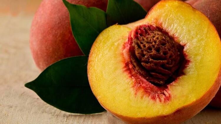 Sofraların vazgeçilmez meyvesi şeftali