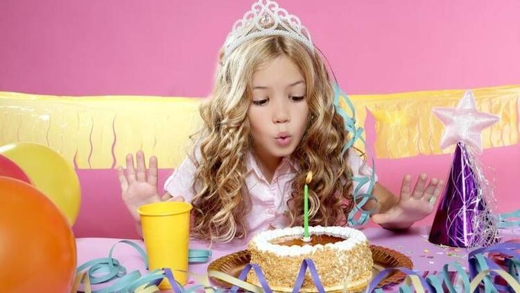 Minik prensesler için parti zamanı!