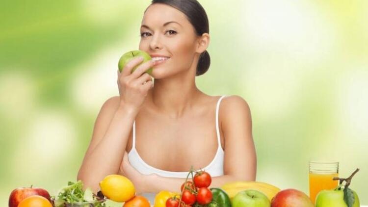 Meyve ve sebze tüketen kadınlara iyi haber!