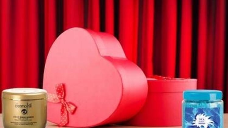 Dermokil'den Sevgililer Günü'ne özel maske