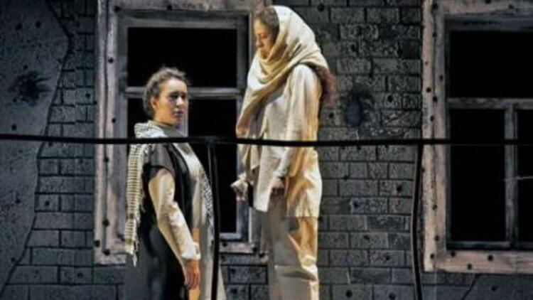 """Tiyatroseverler için """"Yanık"""" Ankara'da!"""