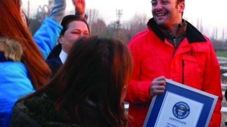 Erdil Yaşaroğlu Guinness Rekorunu kırdı
