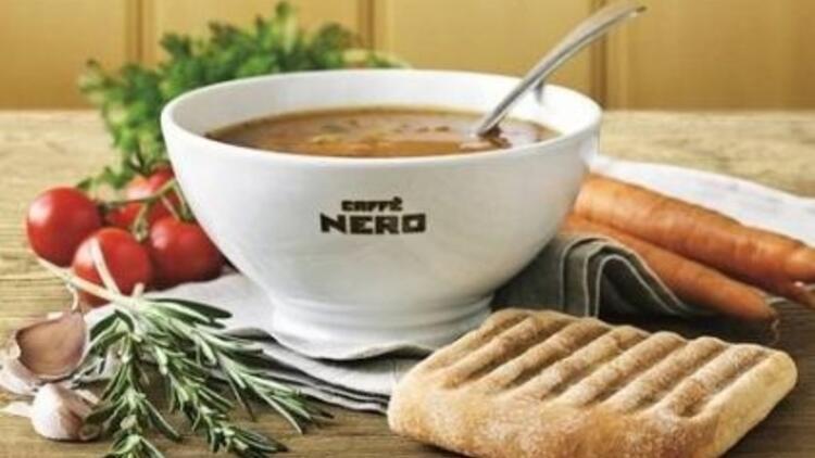 İtalyan Minestrone Çorbası Caffe Nero'da