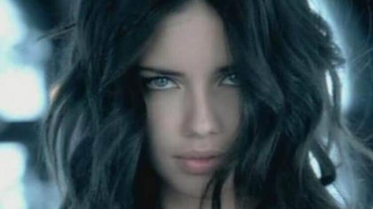 Mavi'nin yeni yüzü Adriana Lima oldu