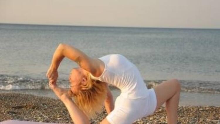Yoga Academy'den ücretsiz yoga eğitimi