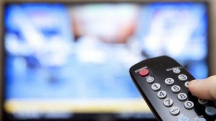 Cinsel içerikli sahnelerde kanal değiştiriyoruz