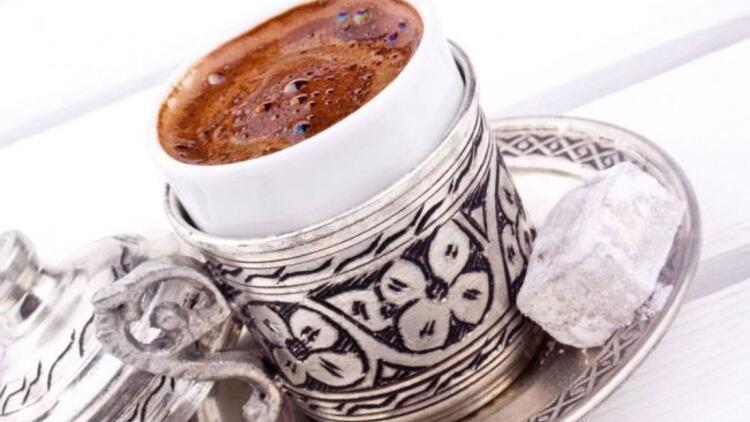 Kıvamlı ve bol köpüklü Türk kahvesi nasıl yapılır?