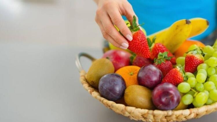 Düzenli meyve tüketimi diyabetten koruyor