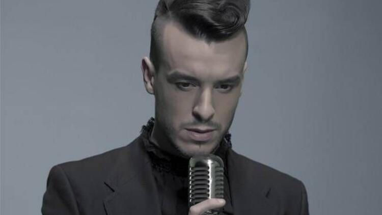 Cem Adrian kulakların pasını silecek