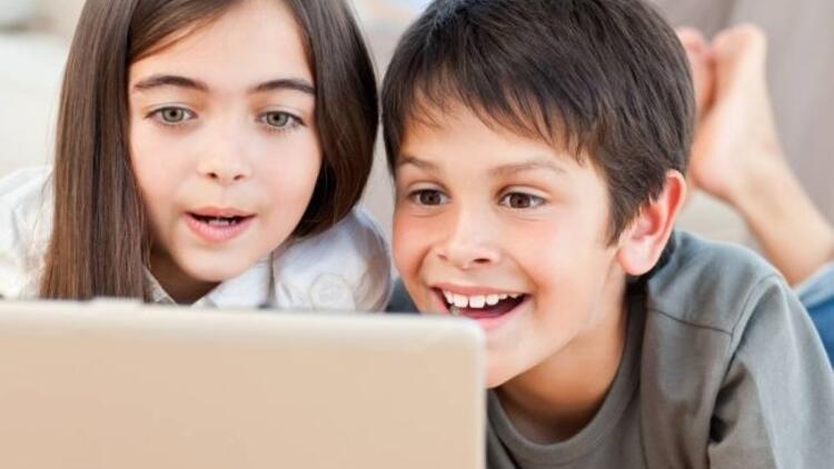 Yeni neslin sosyal medya düşkünlüğü