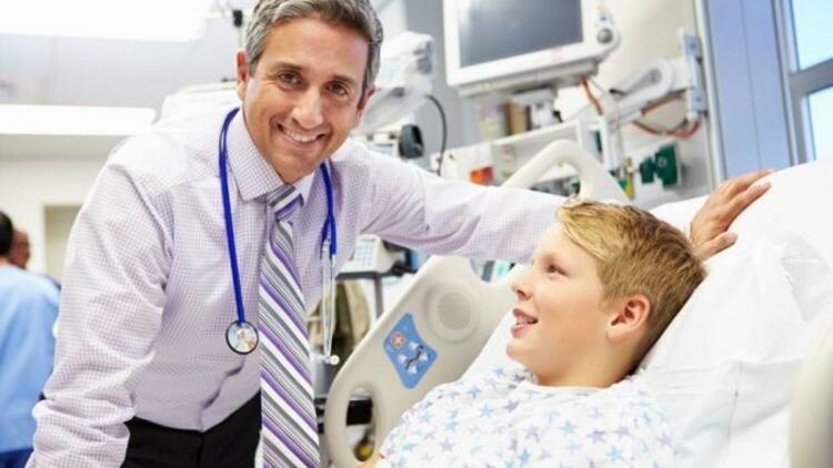 Omurga eğriliği ameliyatsız tedavi edilebiliyor