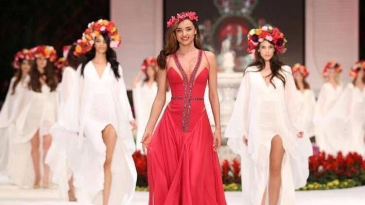 Top Model Miranda Kerr Antalya'da göz doldurdu