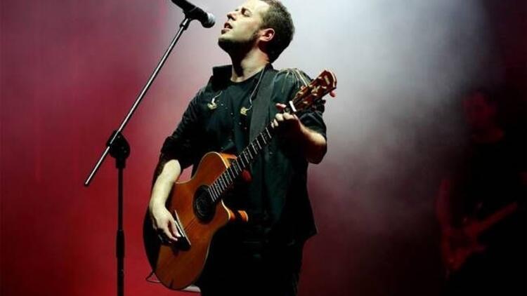 Emre Aydın, yeni albüm konserlerine devam ediyor