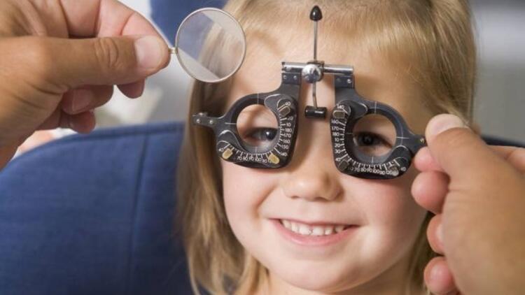 Çocuklarda göz tembelliği nasıl anlaşılır?