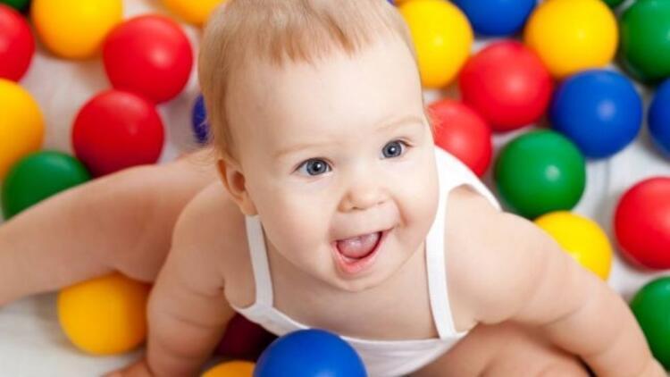 1 yaş döneminde oyun ve oyuncak seçimi