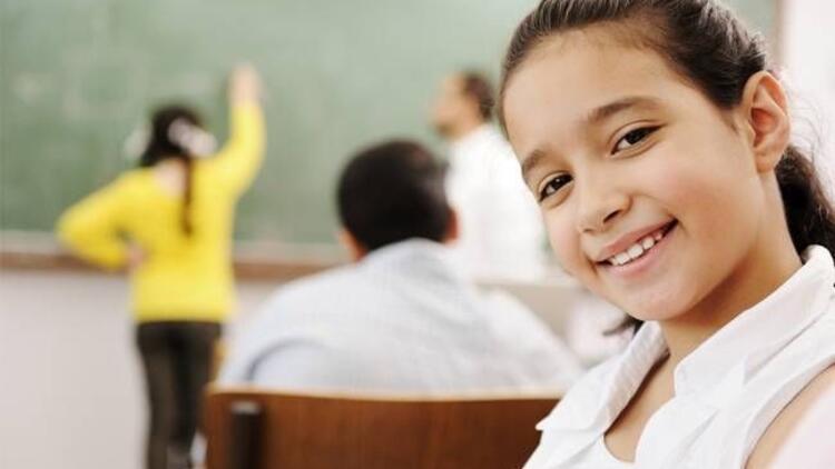Okulda diş tellerinizi kimse fark etmesin