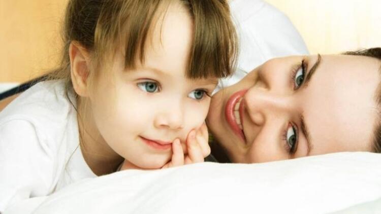 Yattığınız yerden çocuğunuzu eğlendirin!