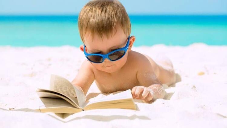 Bebeklere güneş koruyucu krem sürülmeli mi?