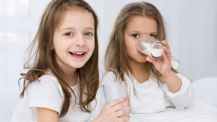 Gece süt içmek dişleri çürütüyor!