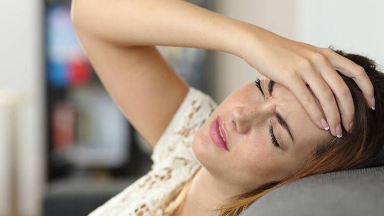 Adet döneminde yaşanan hormonel migren!