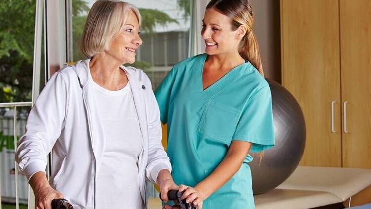 Evde fizik tedavi hizmeti hakkında merak edilenler
