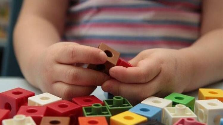 Çocukla evde keyifli vakit geçirmenin yolları