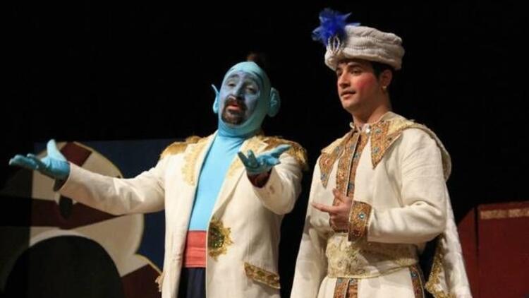 ''Alaaddin'in Sihirli Lambası'' çocuklarla buluşuyor