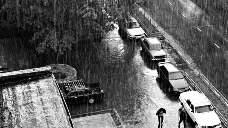 Anadolu Yakası'na 3 saatlik tufan uyarısı