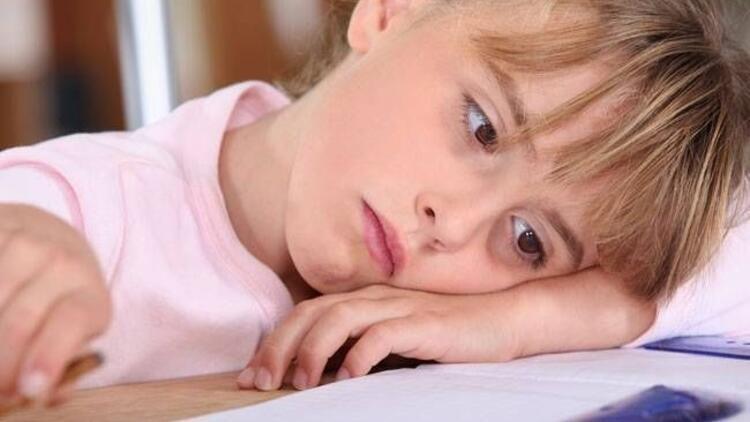 Altını ıslatan çocukların okul başarısı düşüyor
