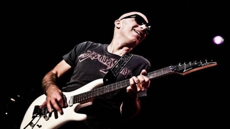 Gitar virtüözü Joe Satriani İstanbul'a geliyor!