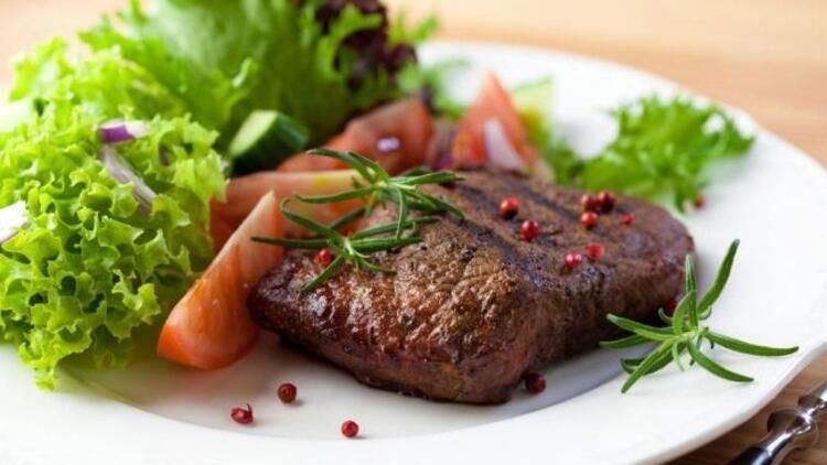 Etin yanında mutlaka yeşillik tüketin!