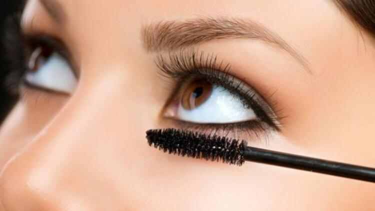 Güzelleşirken göz sağlığınızdan olmayın!
